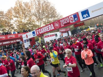 Los corredores en la salida de la 6ª Carrera Ponle Freno
