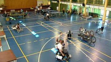 La V carrera  Ponle Freno impulsa el deporte entre víctimas de tráfico ingresadas en el Hospital Nacional de Parapléjicos