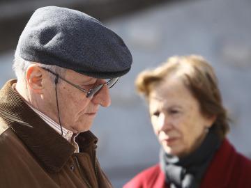 Dos ancianos en la calle
