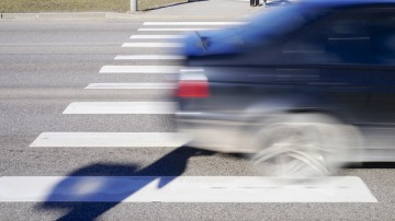 Distancia de frenado y pasos de peatones