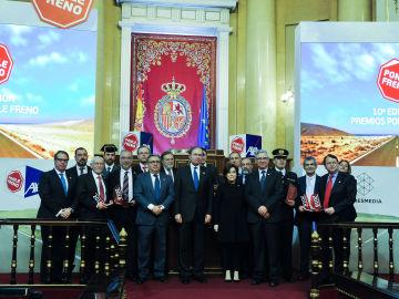 Foto de los ganadores y los entregadores de la décima edición de los Premios Ponle Freno