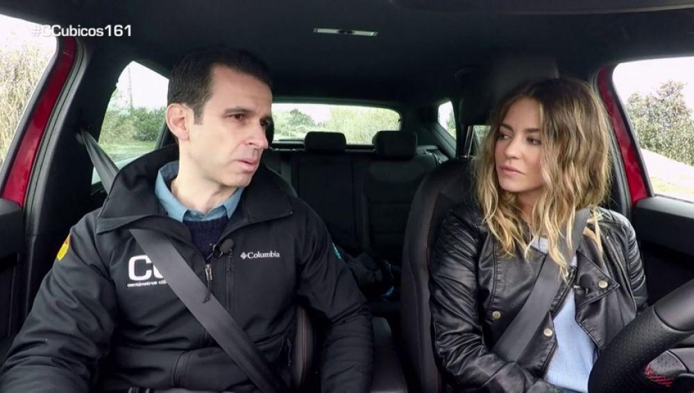 Experimentamos cómo distrae el móvil al volante