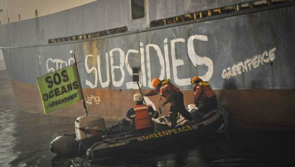 Activistas de Greenpeace (17-10-2011)