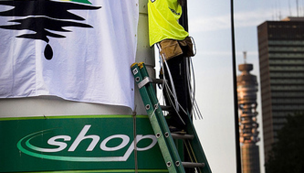 Activistas de Greenpeace en Londres