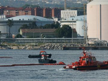Mancha de fuel en Tarragona