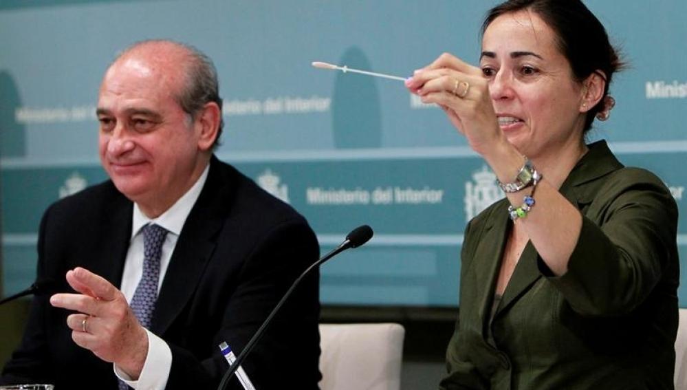 Jorge Fernández y María Seguí presentan la campaña de la DGT