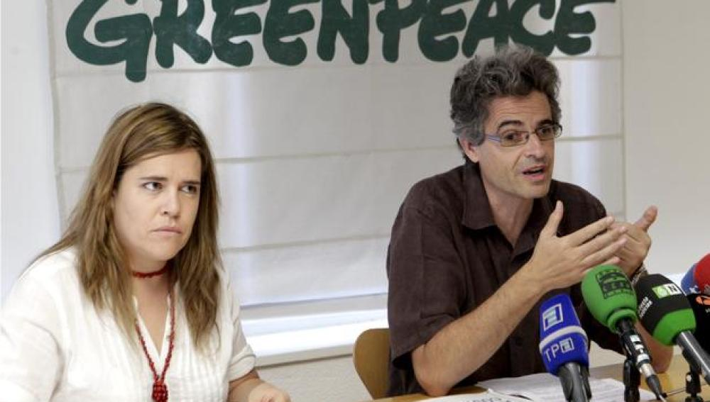 El director de Greenpeace presentando 'Destrucción a toda costa'