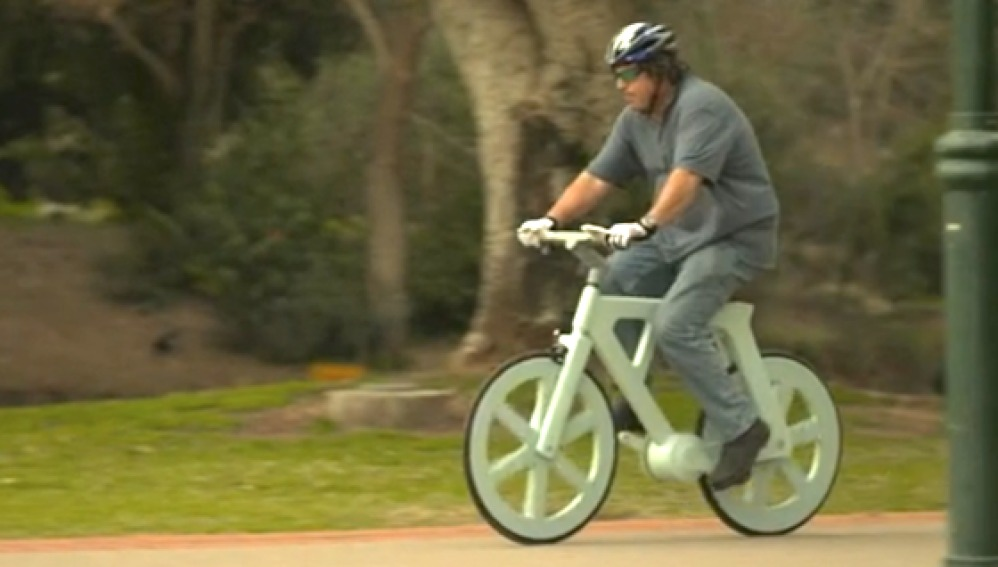 Una bicicleta de cartón, resistente y ecológica
