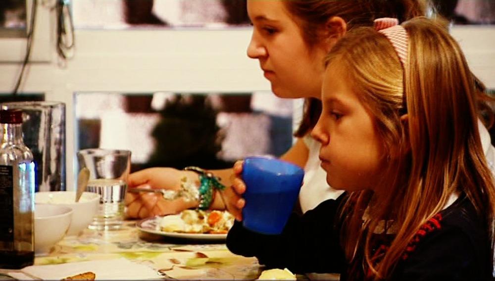 Un niño debe beber 2 litros de agua al día