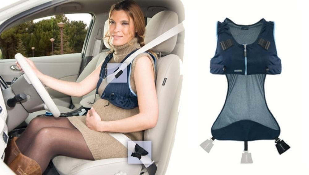 Un chaleco adapta el cinturón de seguridad en embarazadas
