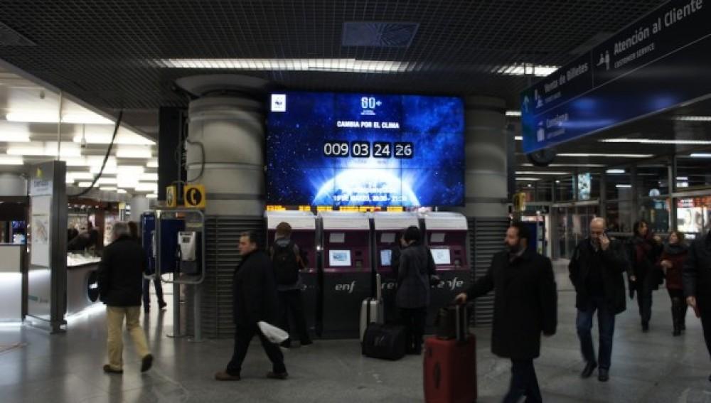 La Hora del Planeta también llega a las estaciones de tren más importantes de España