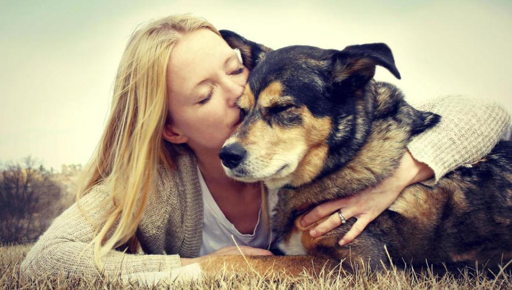 Día Internacional del beso... a tu mascota