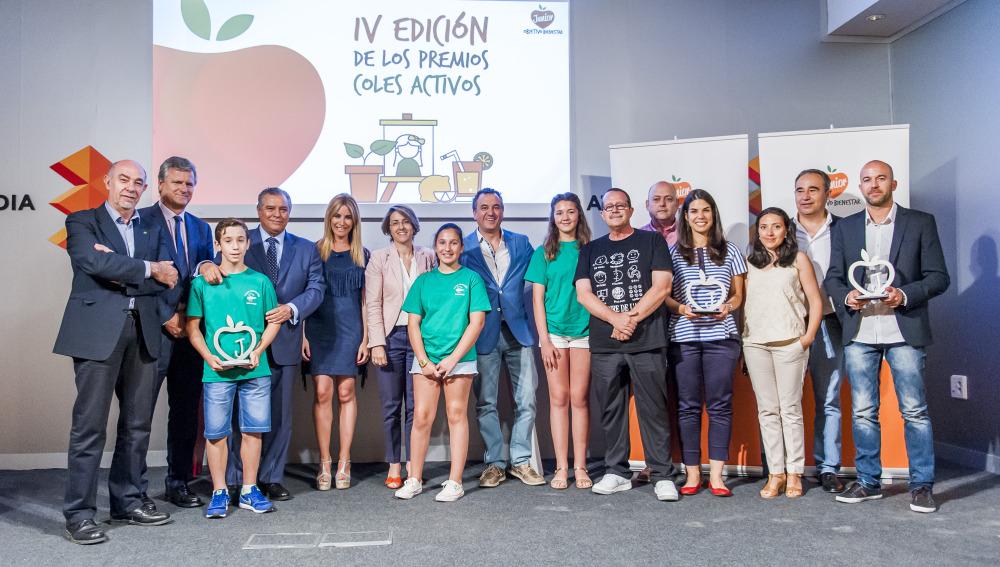 Foto de familia de la IV edición de los premios 'Coles Activos'