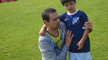 Apoyar a tus hijos en sus actividades deportivas fomentará el aumento de su autoestima