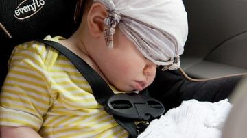 ¿Cómo puedo proteger a mi bebé del calor?