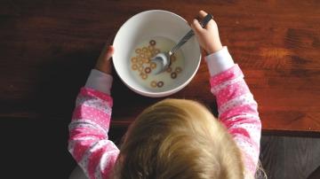 Así debe ser el desayuno ideal de tus hijos