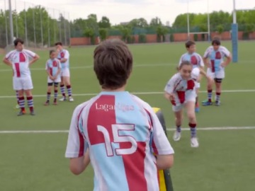 Asistimos a un entrenamiento de rugby, un deporte que fomenta el trabajo en equipo