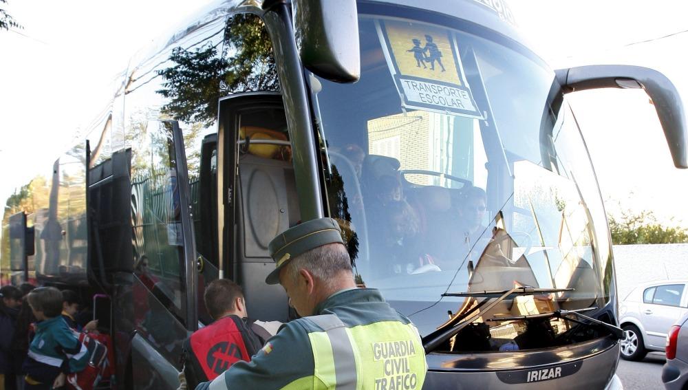 Los autobuses escolares, en el punto de mira de los controles de Tráfico esta semana